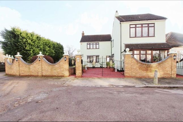 Thumbnail Detached house to rent in Beaconsfield Road, Enfield