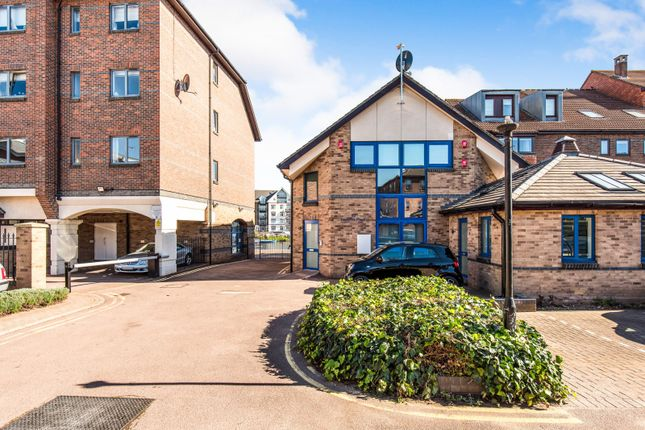 Thumbnail Flat to rent in Becketts Place, Hampton Wick, Kingston Upon Thames