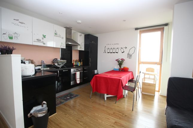 2 bed flat to rent in Arboretum Place, Barking
