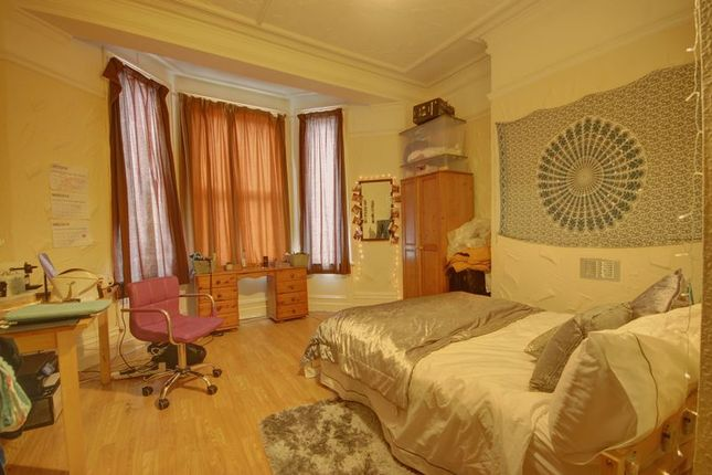 Thumbnail Terraced house to rent in Grosvenor Road, Jesmond, Newcastle Upon Tyne