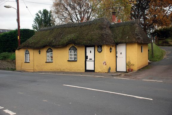 Thumbnail Lodge for sale in High Street, Newton Poppleford, Sidmouth