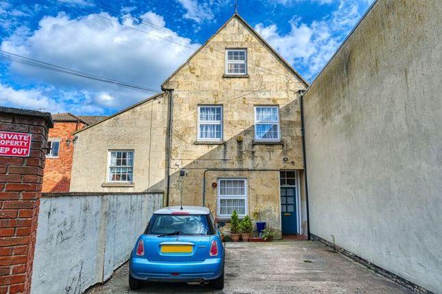 Thumbnail Flat to rent in Bank Street, Melksham