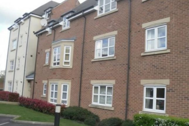 Thumbnail Flat to rent in Middlewood Close, Solihull, 2T