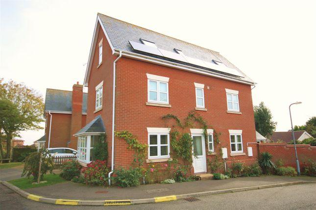 Thumbnail Town house for sale in Nazecliff Gardens, Walton On The Naze