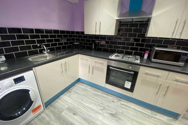 Thumbnail Shared accommodation to rent in Buckley Lane, Bolton