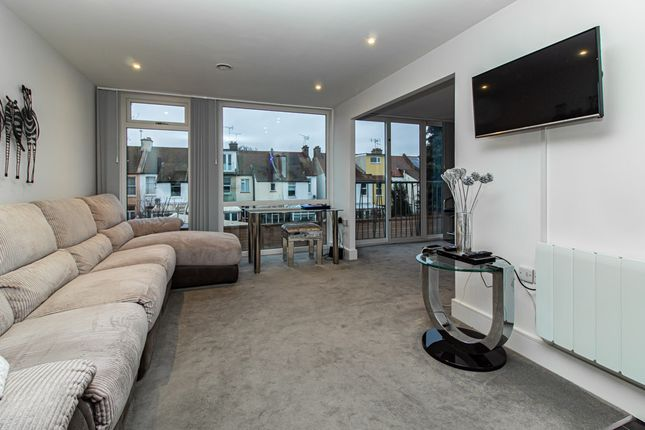 Living Area of London Road, Westcliff-On-Sea SS0