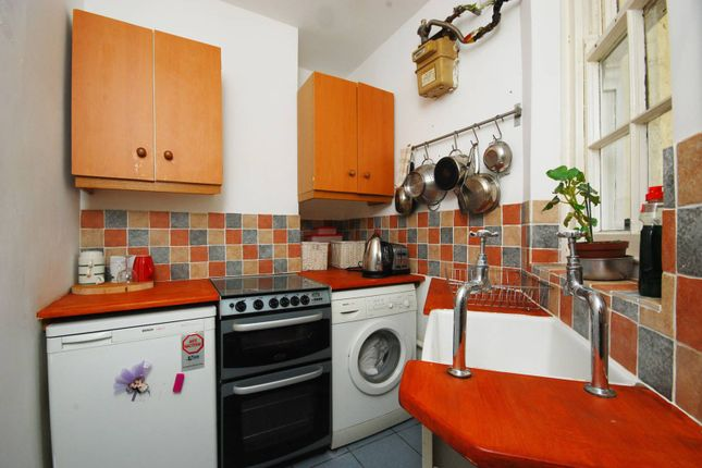 Thumbnail Flat to rent in Hannibal Road, Stepney, London