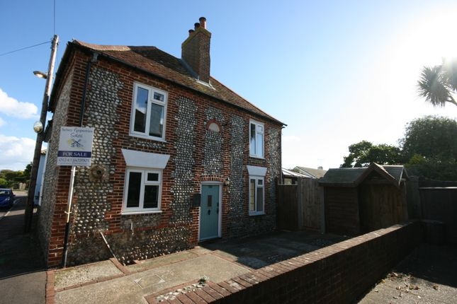 Thumbnail Cottage for sale in East Street, Selsey