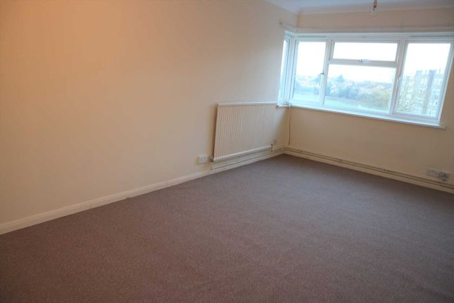 Thumbnail Flat to rent in Cressfield, Ashford