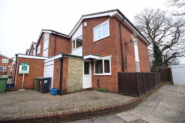 Thumbnail Property to rent in Howard Close, Bushey Heath, Bushey