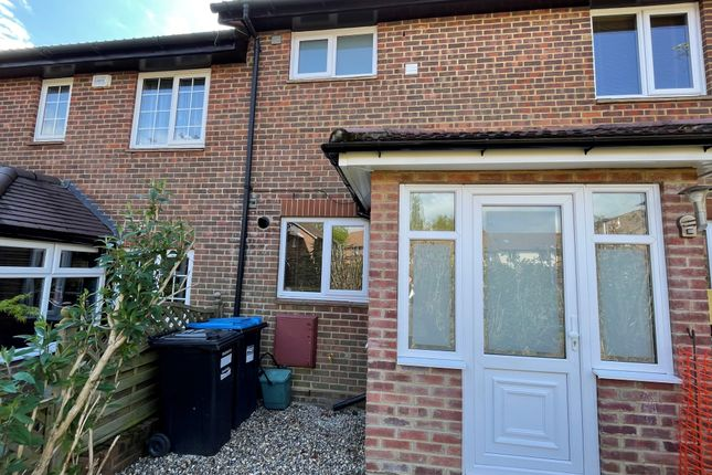 1 bed terraced house to rent in Barnfield Way, Oxted RH8