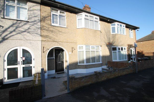 Thumbnail Property to rent in Cecil Road, Chadwell Heath