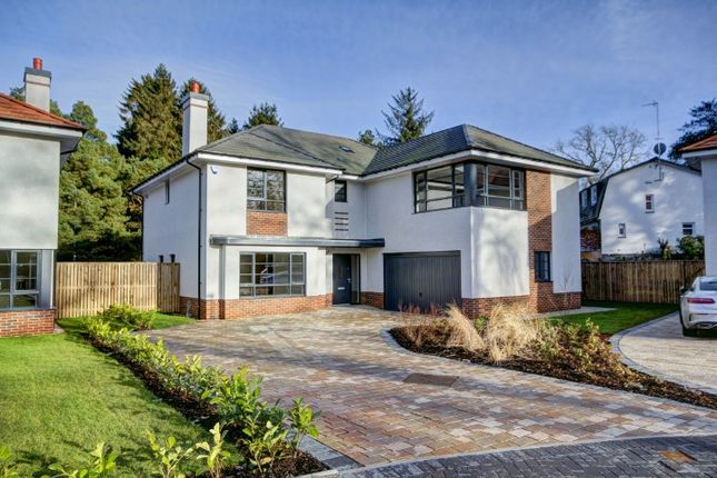Thumbnail Detached house for sale in Broom Road, Whitecraigs, Glasgow
