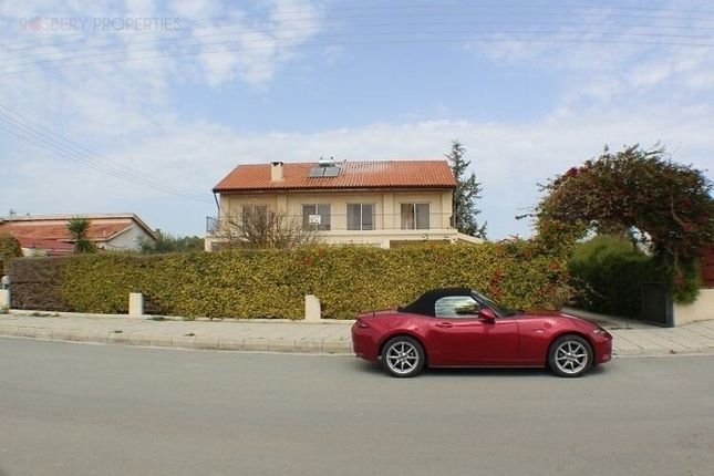 Detached house for sale in Kolossi, Cyprus
