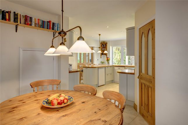 Breakfast Area of Satwell, Rotherfield Greys, Henley-On-Thames, Oxfordshire RG9