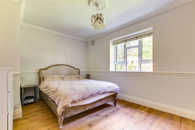 Bedroom of Edensor Gardens, London W4