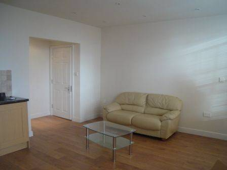 Thumbnail Terraced house to rent in Junction Road, Sheffield