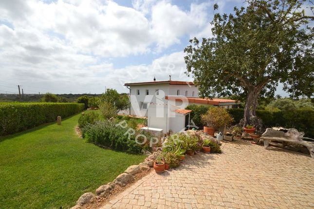 Villa for sale in Albufeira, Portugal