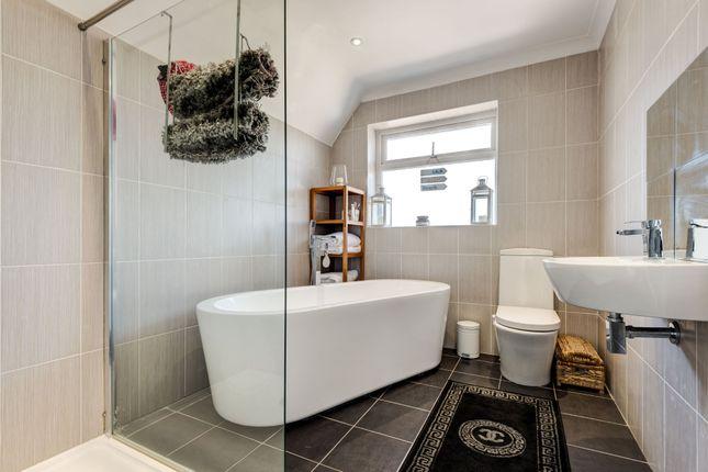 Bathroom of Swanborough Drive, Brighton BN2