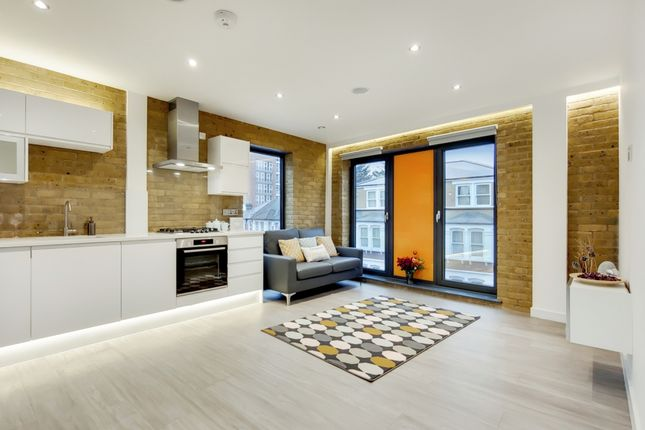 Thumbnail Flat for sale in High Street North, London