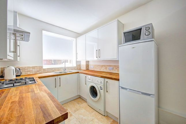 Thumbnail Flat to rent in Parkgate Road, London