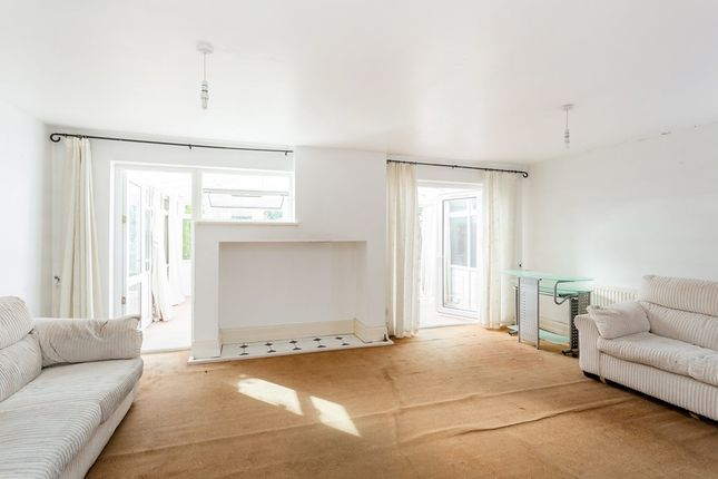 Thumbnail Flat to rent in Victoria Road, New Barnet, Barnet