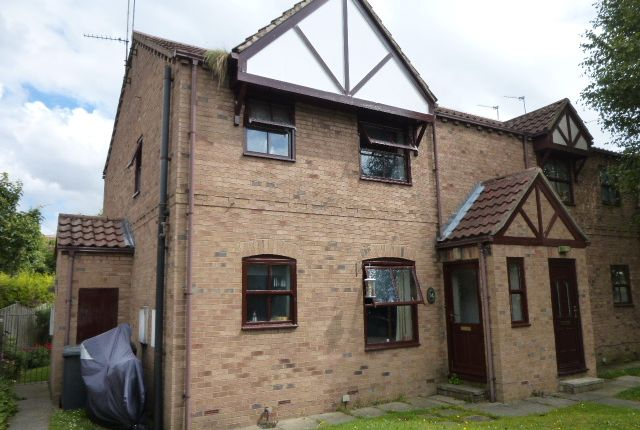 Thumbnail Semi-detached house to rent in Queen Margaret Avenue, Byram, Knottingley. West Yorkshire