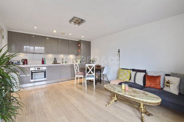 Thumbnail Property for sale in Fyfe House, Chadwell Lane, London