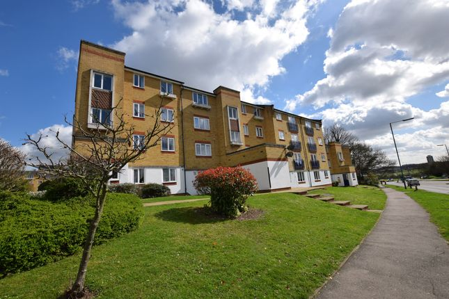 Thumbnail Flat for sale in Dadswood, Harlow
