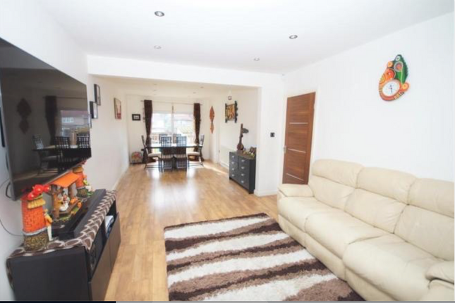 3 bed semi-detached house to rent in Clitheroe Avenue, Rayners Lane / Harrow HA2