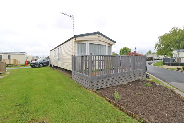Thumbnail Mobile/park home for sale in Seven Lakes, Ealand, Doncaster