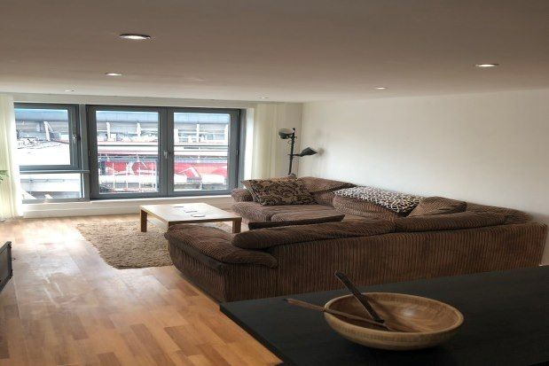 3 bed flat to rent in Golate Street, Cardiff CF10