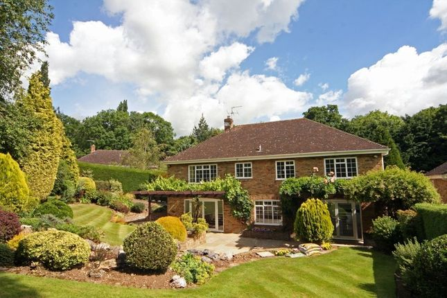 Thumbnail Detached house to rent in Woodhill Avenue, Gerrards Cross
