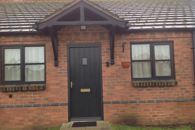 Thumbnail Bungalow to rent in Willow Cottages, Farndon Road, Newark, Nottingham