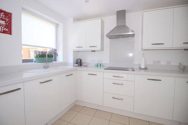 Modern Kitchen of Kingswood Court, Sidcup Hill DA14