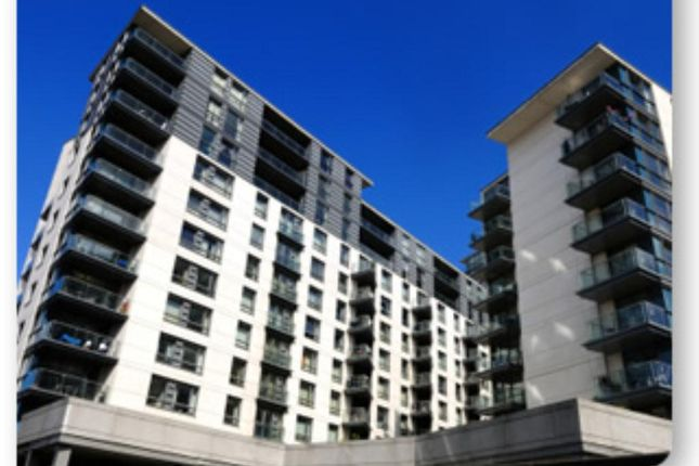 Flat to rent in Centenary Plaza, 18 Holliday Street