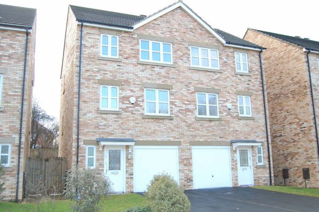 Thumbnail Semi-detached house to rent in Temple Court, Wakefield