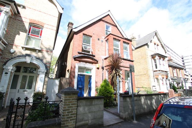 Thumbnail Detached house to rent in Fairfield West, Kingston Upon Thames