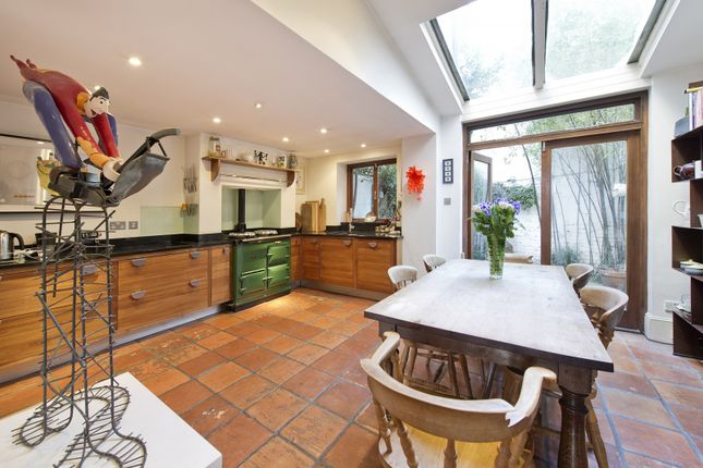 Kitchen of Stratford Road, London W8