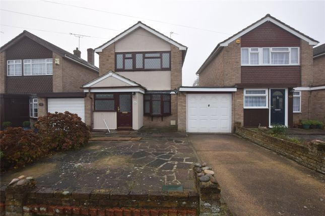 3 bed link-detached house to rent in Fourth Avenue, Wickford, Essex SS11