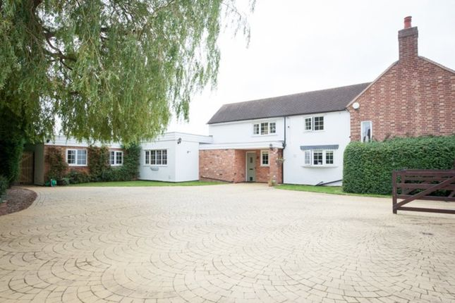 Thumbnail Cottage for sale in Lynn Lane, Lynn, Lichfield