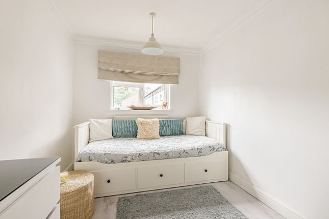 Bedroom of Williamson Close, Grayswood, Haslemere GU27
