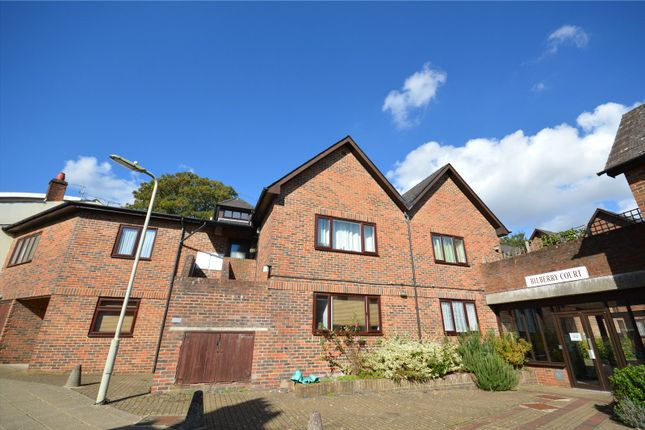 Thumbnail Flat to rent in Bilberry Court, Staple Gardens, Winchester, Hampshire