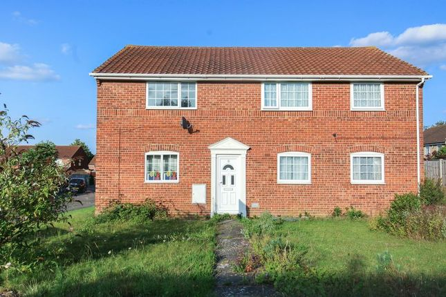 Thumbnail Flat for sale in Bunting Road, Luton