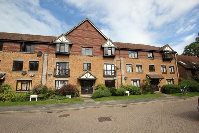 Thumbnail Flat to rent in Dorchester Court, Oriental Road, Woking