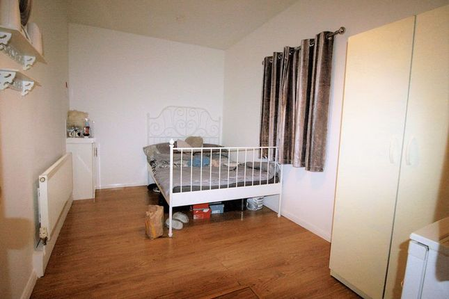 Thumbnail Room to rent in Reede Road, Dagenham