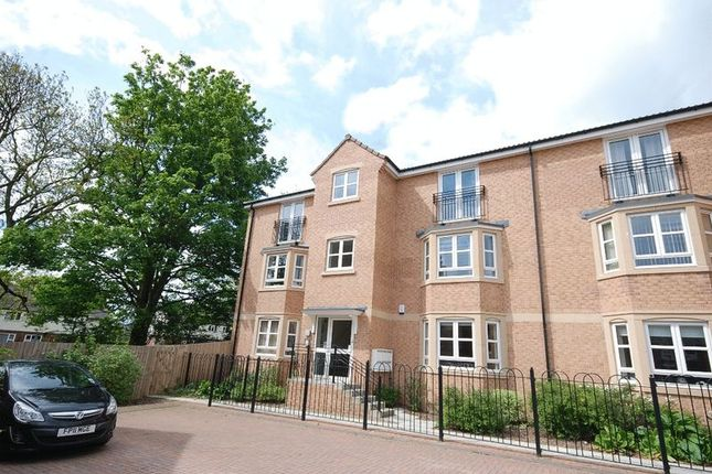 Thumbnail Flat to rent in Royal Troon Mews, Wakefield