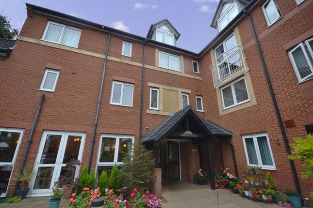 2 bed flat for sale in Sorrento Court, Birmingham B13