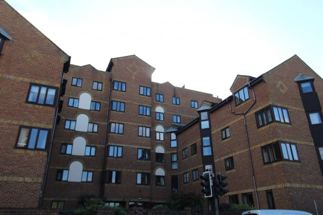 1 bed flat for sale in Rochester Gate, Rochester, Kent ME1