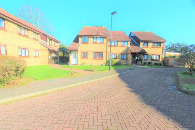 Haydon Close, Enfield EN1